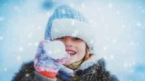 стихи про мальчика Олега и первый снег